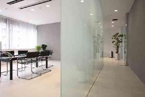 会議室と廊下