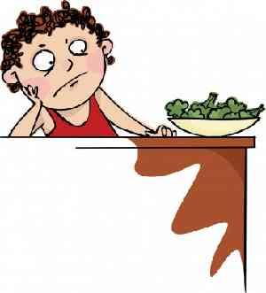 お皿を押しのける女性