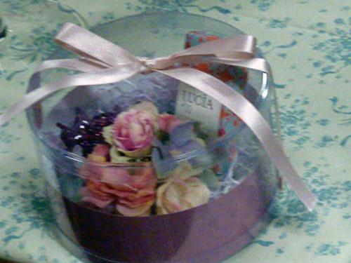 ラナンキュラスの花ブローチ