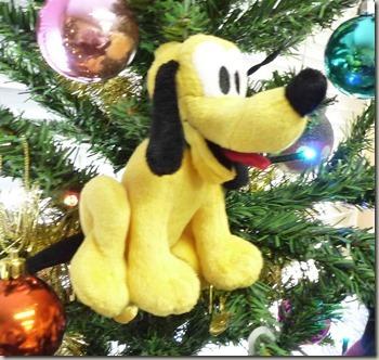 ミッキーフレンズクリスマスツリーのプルートオーナメント