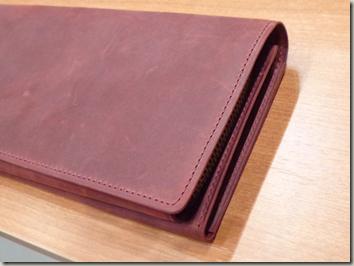 指が太くでがっしりした男性への定年退職祝いの財布はこれよん