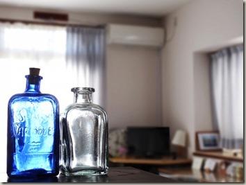瓶のある部屋