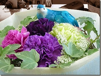 紫のカーネーションや紫のバラを母さんへプレゼントする!