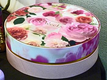 薔薇のお菓子 エディブルフラワーの箱