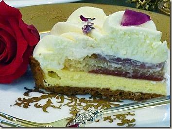 薔薇のお菓子 エディブルフラワーのローズチーズタルト