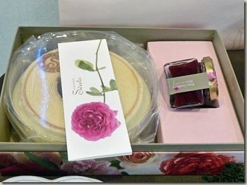 薔薇のお菓子 エディブルフラワーのバームクーヘン