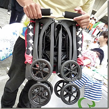 ワンタッチ折り畳みベビーカー