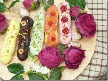 花びらを詰め込んだプチスイーツは、一口で一気にパクリ食べたい