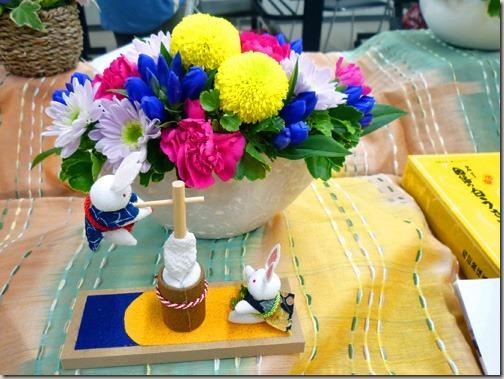 お月見飾りに花と和菓子を贈って、9月のお月見ギフトも兼用