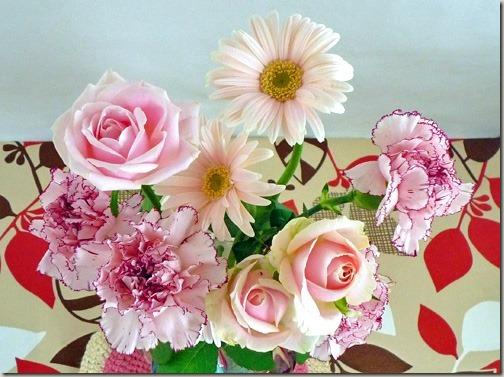 優雅でかわいらしいピンクの薔薇の花束は、優しい気持ちになる
