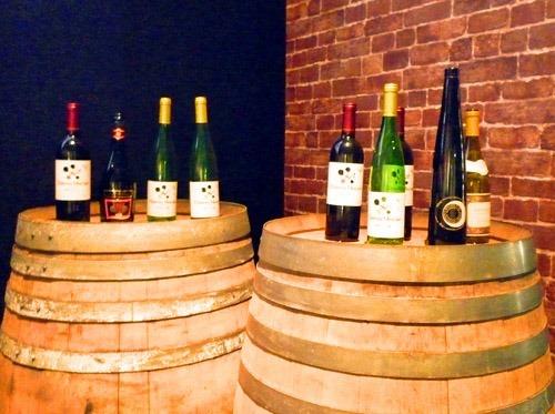 たるの上のワイン