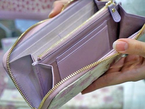桜の花びら本革スウェード財布