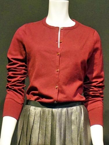 カシミアのセーターとカーディガン