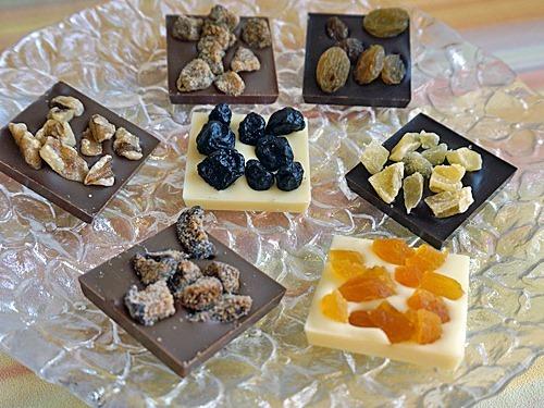 ドライフルーツ入りの大人チョコレート