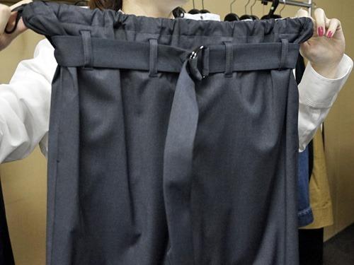 細く見えるスカート