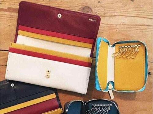 バイカラ長財布とキーケースのペア