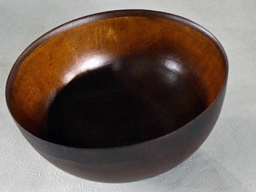 木のような陶器食器