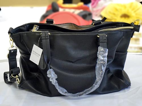 合革の女性用ビジネスバッグ