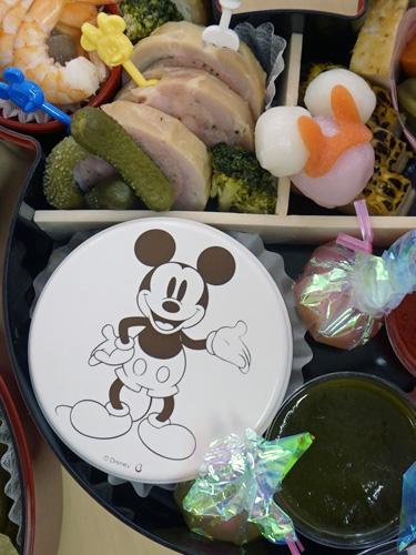 ミッキーマウスのおせち