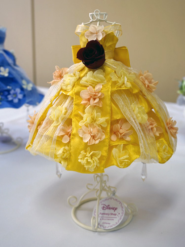 ベルのドレス