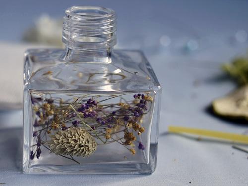 瓶の底に入れる花材