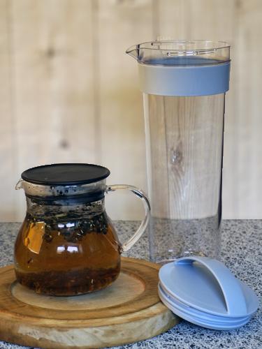 ハーブティーと冷水筒